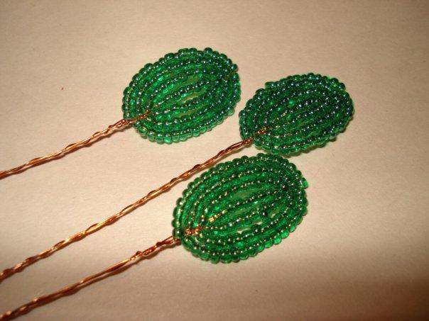 Ответ: МК фиалки французским плетением.